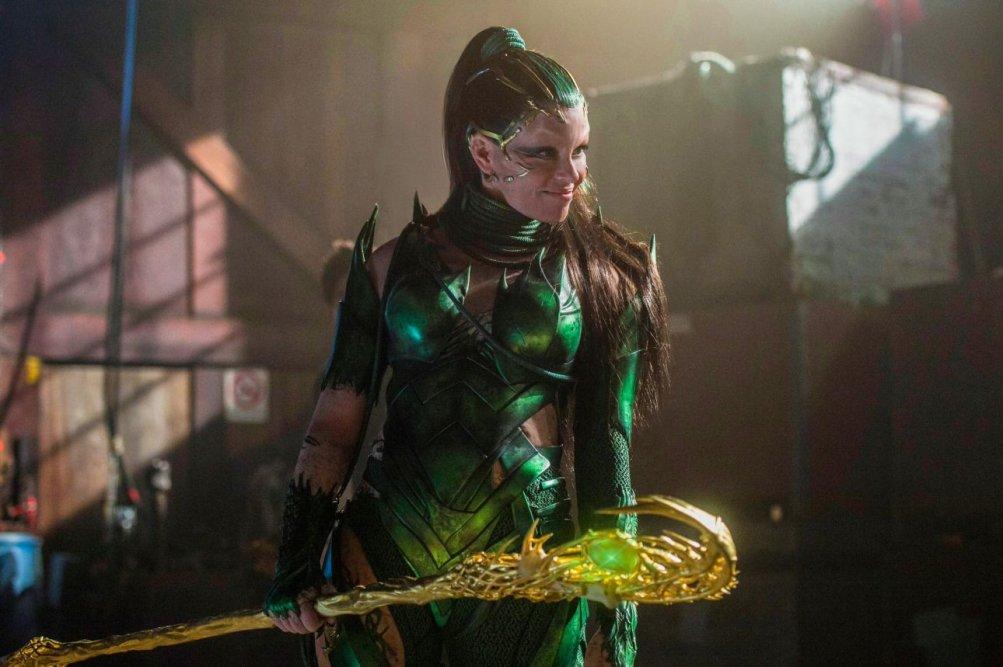 Power Rangers: Elizabeth Banks in una foto del film