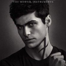 Shadowhunters: Matthew Daddario nel character poster della seconda stagione