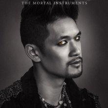 Shadowhunters: Harry Shum Jr. nel character poster della seconda stagione