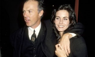 Michael Keaton insieme a Courteney Cox