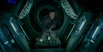 Life - Non oltrepassare il limite: Ryan Reynolds in una delle primissime immagini del film