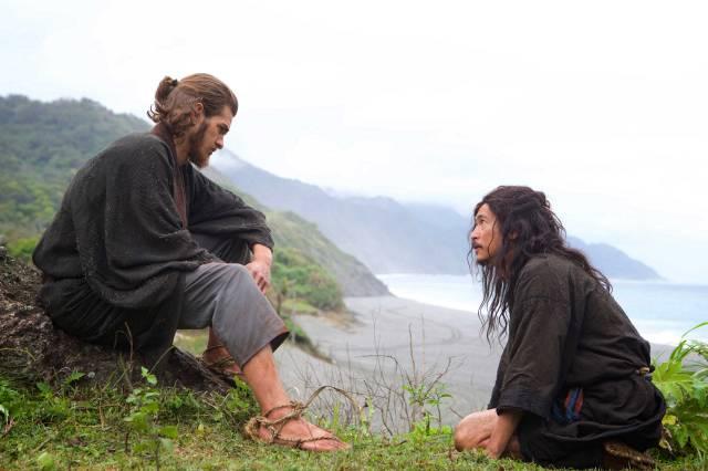 Silence: Andrew Garfield in una scena con Tadanobu Asano