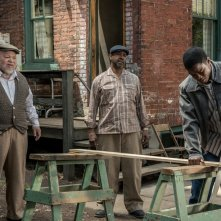 Barriere: Denzel Washington, Jovan Adepo e Stephen Henderson in una scena del film