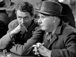 James Stewart e Henry travers in una scena de La vita è meravigliosa