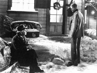 Henry Travers e James Stewart in una scena de La vita è meravigliosa