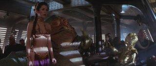 Carrie Fisher in una sensuale sequenza di Star Wars