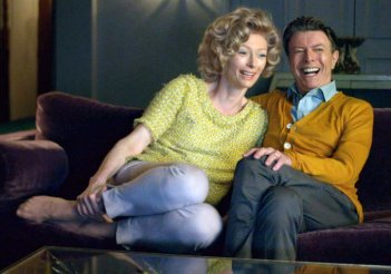 David Bowie e Tilda Swinton in The Stars Are Out Tonight