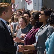 Il diritto di contare: Taraji P. Henson, Glen Powell e Octavia Spencer in una scena del film