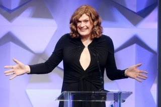 La regista Lilly Wachowski ai GLAAD Awards 2016