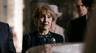 Sherlock: Una Stubbs nel ruolo di Mrs Hudson nell'episodio The Six Thatchers