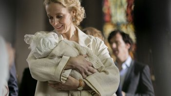Sherlock: l'attrice Amanda Abbington in The Six Thatchers