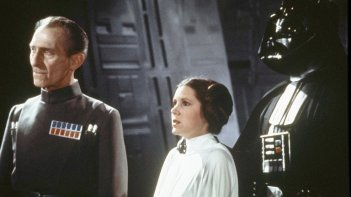 Peter Cushing e Carrie Fisher nella saga di Star Wars
