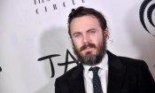 Casey Affleck si fa beffe dei critici mentre ritira il New York Film Critics Circle Award