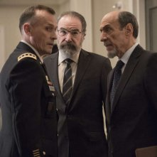 Homeland: Robert Knepper, F. Murray Abraham, Mandy Patinkin in una foto della sesta stagione