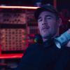 James Van Der Beek scimmiotta il rapper Diplo nella serie 'What Would Diplo Do?'