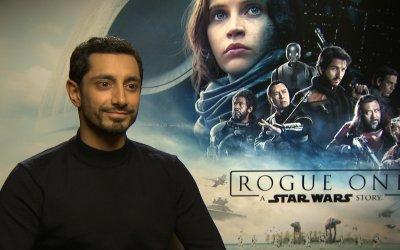 """Riz Ahmed su Rogue One: """"Amo lo stile del Lato Oscuro, le sue linee mi ricordano il Guggenheim Museum"""""""