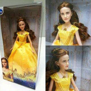 La bella e la bestia: un'immagine della bambola che riproduce Emma Watson