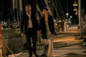 Cinquanta sfumature di nero: Jamie Dornan e Dakota Johnson in un momento del film