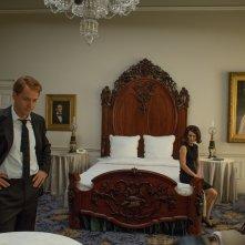 Jackie: Peter Sarsgaard e Natalie Portman in una scena del film
