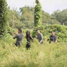 The Walking Dead: Andrew Lincoln, Danai Gurira, Ross Marquand e Alanna Masterson in una foto del nono episodio