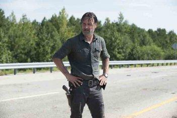 The Walking Dead: Andrew Lincoln in una foto del nono episodio