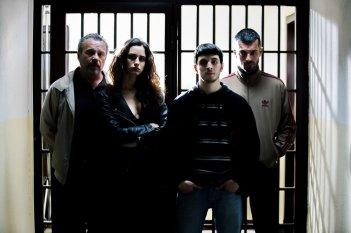 Il permesso - 48 ore fuori: Giacomo Ferrara, Valentina Bellè, Claudio Amendola e Luca Argentero in un'immagine promozionale del film
