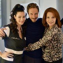 Il bello delle donne: Manuela Arcuri, Massimo Bellinzoni e Anna Galiena in una foto della serie