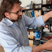 Maestro: Francesco Lotoro in un'immagine del documentario