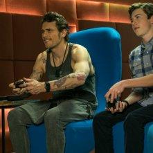 Proprio lui?: James Franco e Griffin Gluck in un momento del film