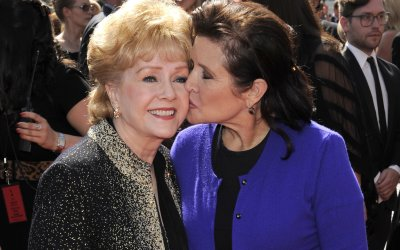 Carrie Fisher e Debbie Reynolds commuovono ancora in Bright Lights
