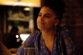 Atlanta: Zazie Beetz in una scena