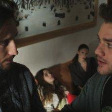 La terra e il vento: Lorenzo Richelmy e Robin Mugnaini in una scena del film