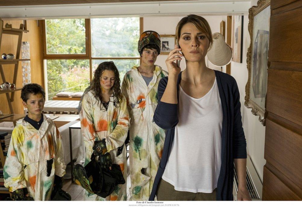 Mamma o papà?, Paola Cortellesi in una scena del film