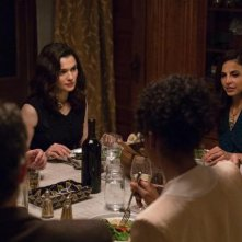Rachel Weisz in una scena di Complete Unknown