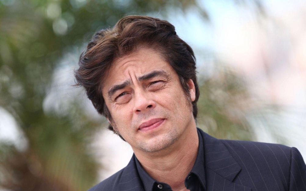 Un primo piano di Benicio del Toro a Cannes