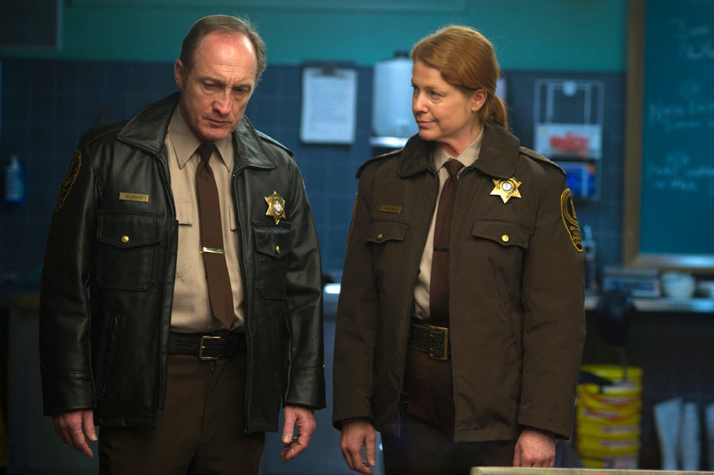 Autopsy: Michael McElhatton e Jane Perry in una scena del film