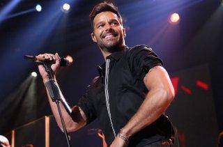 Ricky Martin durante una performance dal vivo