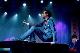 Mika durante una performance