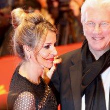 Berlino 2017: Richard Gere sorridente sul red carpet di The Dinner