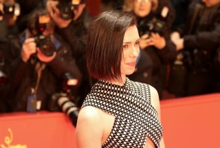Berlino 2017: Rebecca Hall sul red carpet di The Dinner