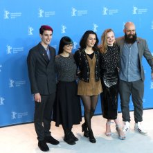 Berlino 2017: Maria-Victoria Dragus, Ella Rumpf e Jakob Lass al photocall di Tiger Girl