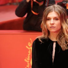 Berlino 2017: Clémence Poésy sul red carpet di Final Portrait