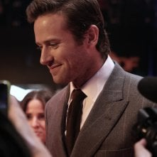 Berlino 2017: Armie Hammer rilascia interviste sul red carpet di Final Portrait