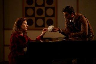 C'era una volta Studio Uno: Alessandra Mastronardi in una scena dellaun'immagine tratta dalla miniserie di Rai Uno