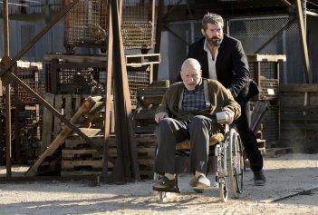 Logan: Hugh Jackman e Patrick Stewart in una foto del film
