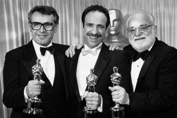Milos Forman e F. Murray Abraham con gli Oscar vinti per Amadeus