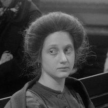 Hester Street: Carol Kane in una scena del film