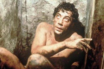 Prima che sia notte: Javier Bardem in una scena del film