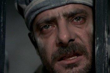 Pasqualino Settebellezze: un primo piano di Giancarlo Giannini
