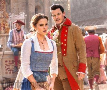 La Bella e la Bestia: una foto di Emma Watson e Luke Evans nel ruolo di Belle e Gaston
